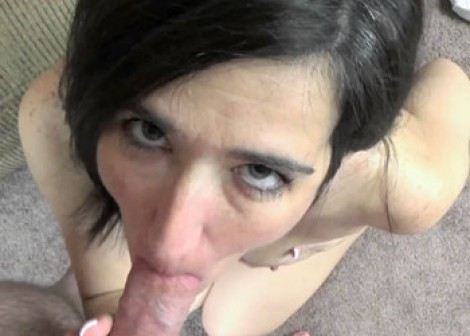 Mature Deliah swallows a stiff cock